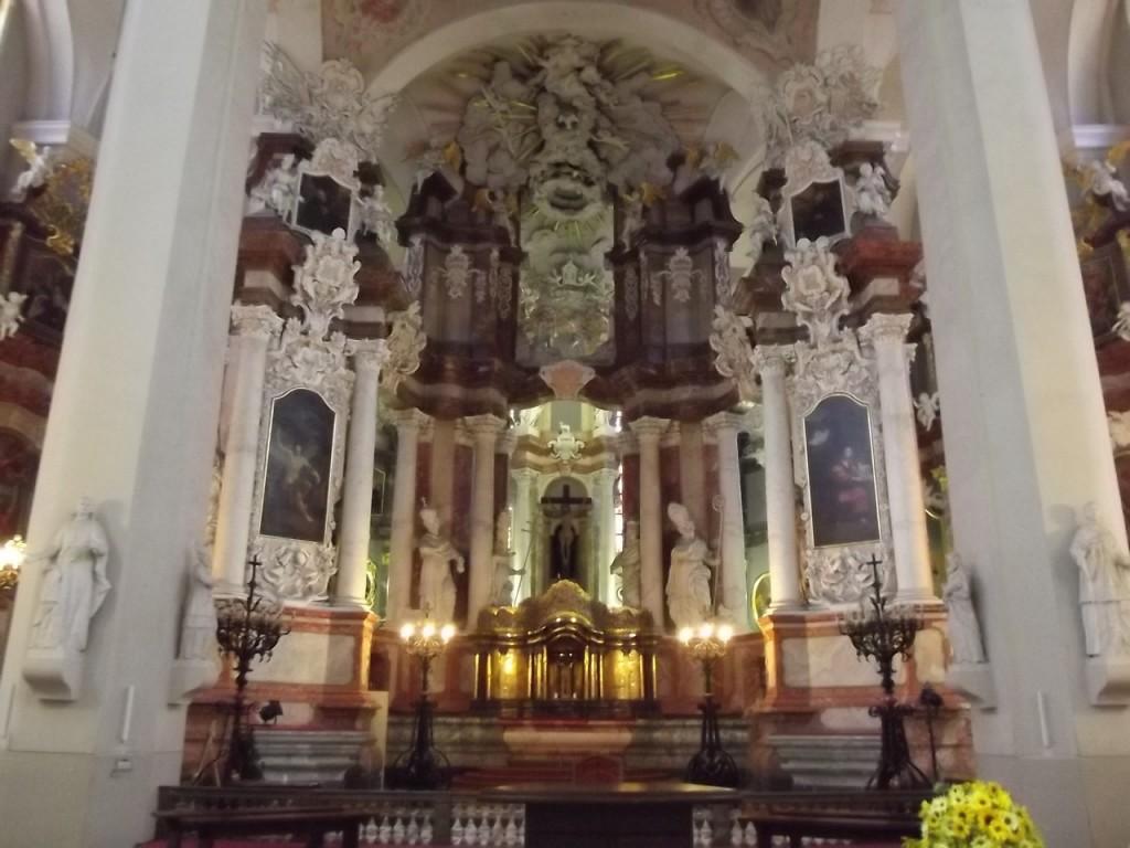Kościół św. Janów - w kompleksie uniwersyteckim