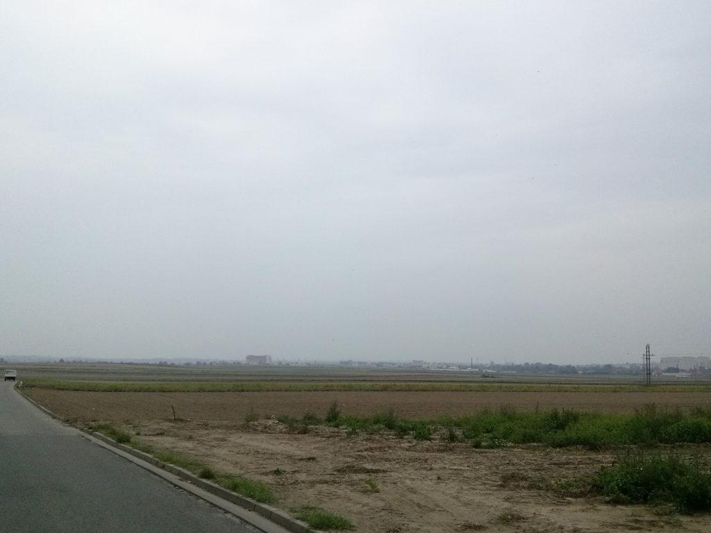 Mgła dzisiaj spowiła Kalisz. Było deszczowo.